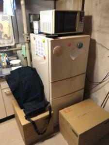 電子レンジ、冷蔵庫、衣類