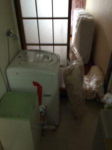 洗濯機、マットレス、敷布団